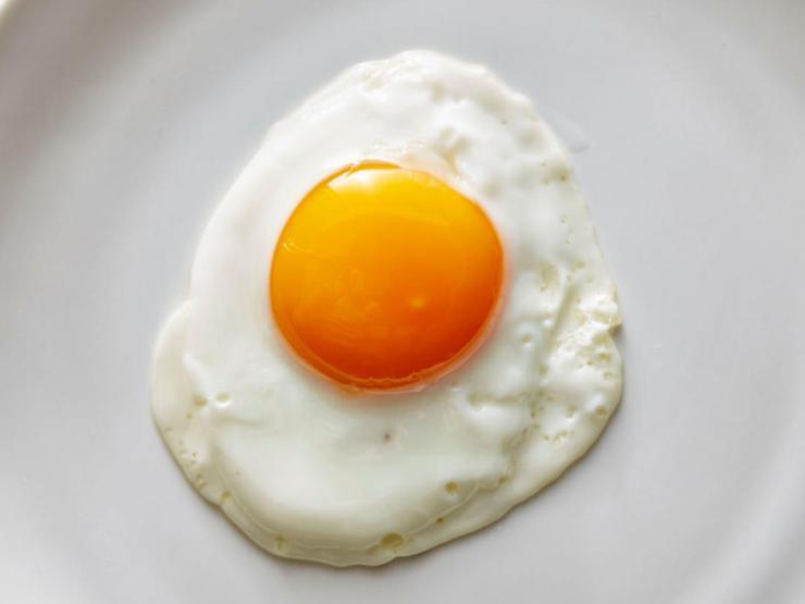 pristine-sunny-side-up-eggs
